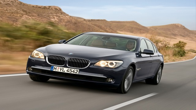 BMW 7 Series 2009 speed tilt