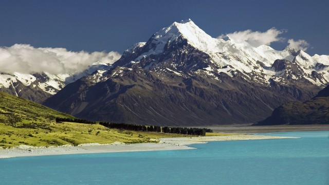 New Zealand Mountains backgrounds for free