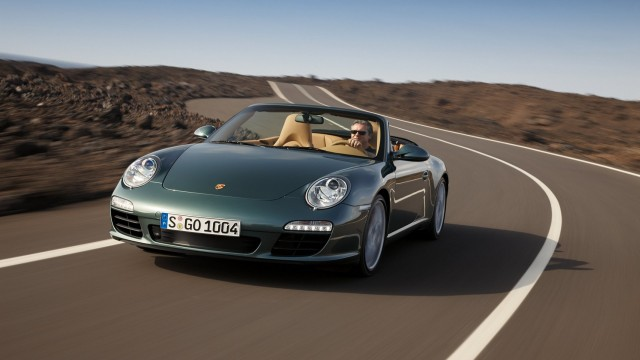 Pporsche 911 Carrera S road