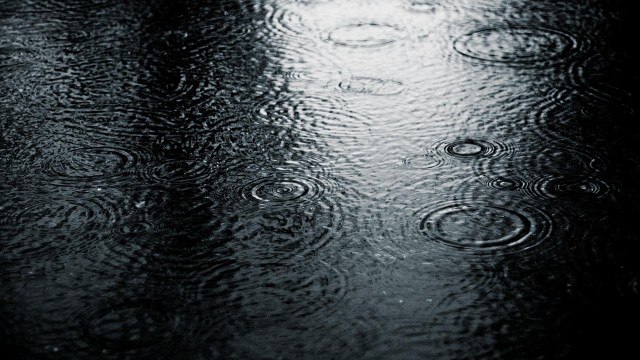 Click on image to open fullHD wallpaper - Rain HD 1920x1080